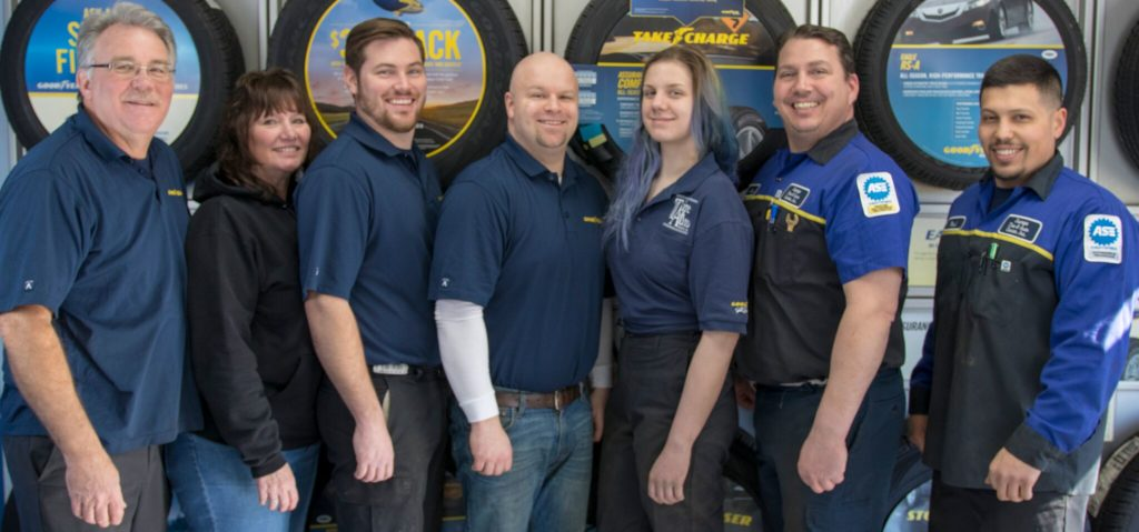 DuPage Tire and Auto Team Photo